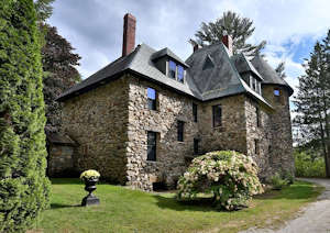 nh-castle-for-sale